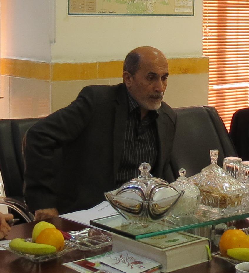 کاوه مدیر موسسه ایثار شعبه تهران بزرگ تودیع و شه روش سکان مدیریت شعبه را به دست گرفت.