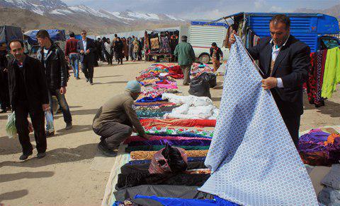 هزار رنگ در هفته بازارهای منطقه آزاد ماکو